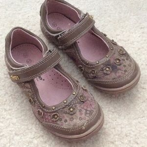 Beeko Other - Beeko Leather Little Girls Mary Janes Shoes