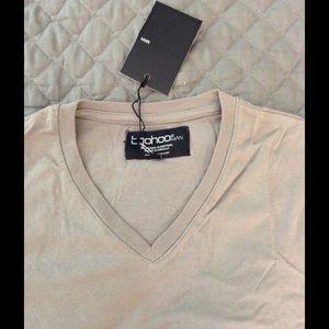 Boohoo Other - Light grey v-neck t-shirt