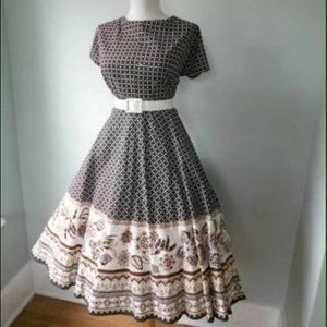 Dresses & Skirts - Vintage Novelty Full Circle Dress