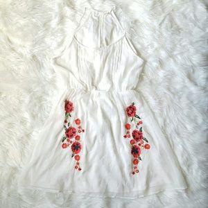 Dresses & Skirts - White Flowy Mini Dress