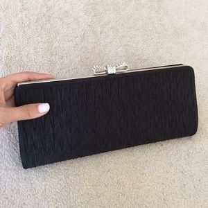 MOVING, FINAL SALE: Black elegant clutch