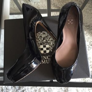 Vince Camuto Shoes - VInce Camuto Sarika Black Patent Leather Pump Sz 8