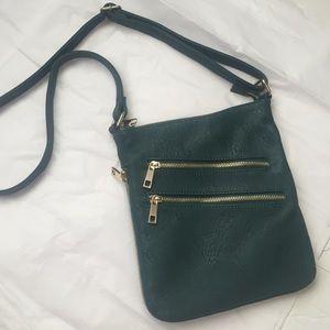 Zipper Crossbody bag!