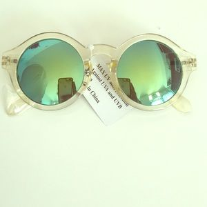 Accessories - Yellow round shades with mirrored lenses