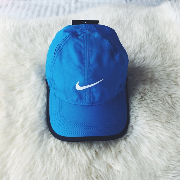5118405758e01 Nike Sky Blue Featherlight Tennis Cap