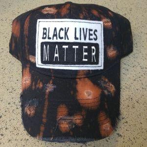 """DAD/BASEBALL HAT """" BLACK LIVES MATTER"""""""