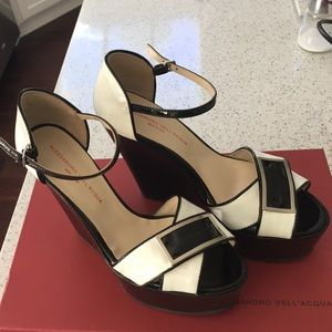 Alessandro Dell'Acqua Shoes - Black and white wedges