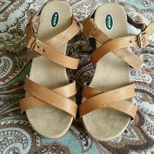 Dr. Scholl's Shoes - NWOT Women's size 8 Dr. Scholl's Strappy Sandals