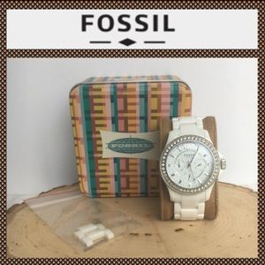 LIKE NEW FOSSIL WHITE CERAMIC BOYFRIEND WATCH!