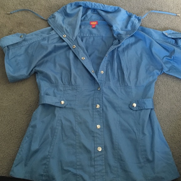 Eye Tops - Cute button shirt jacket with drawstring collar.