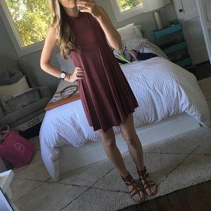 Dresses & Skirts - Gorgeous burgundy swing dress 💕