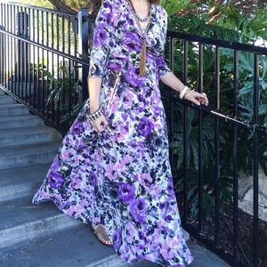 Pinkblush Dresses & Skirts - PinkBlush floral maxi dress