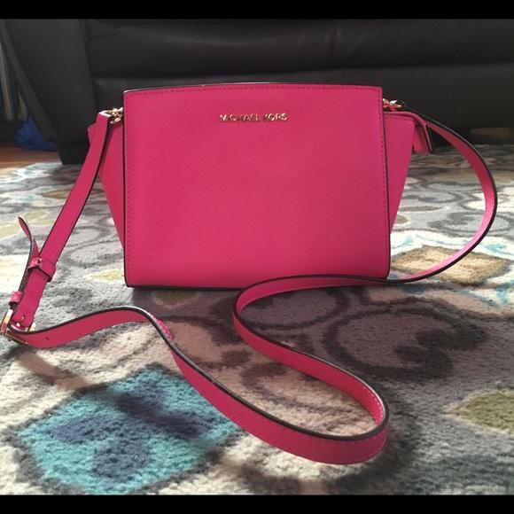 131bec8b7975 MICHAEL Michael Kors Bags | Michael Kors Selma Medium Messenger Bag ...