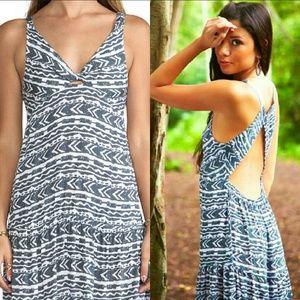 Tiare Hawaii Dresses & Skirts - New tiare hawaii lovestruck maxi dress gray totem