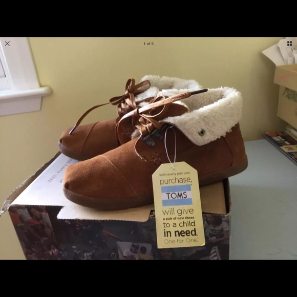 9d12c0097d3 TOMS Highland Suede Faux Shearling Lined Boot