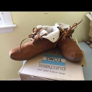 5a2d613db96 TOMS Shoes - TOMS Highland Suede Faux Shearling Lined Boot