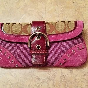 Coach Handbags - Cute wristlet