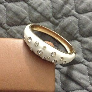 Jewelry - White and gold crystal bangle