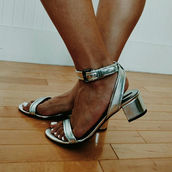 43595415753 ZARA Silver Block Heel Ankle-strap sandals. M 57ccfff3bcd4a7db50001dcb