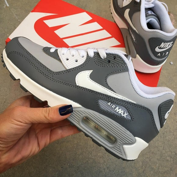 air max 90 size 4