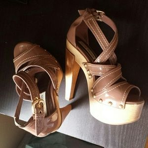 Nude chunky platform strappy sandals
