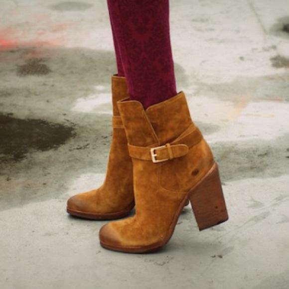 d202e2ba8464 Sam Edelman Perry Suede Ankle Boots ~ 8.5. M 57cd85866d64bce75500814e