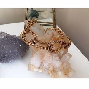 Jewelry - Gorgeous gold chain bracelet