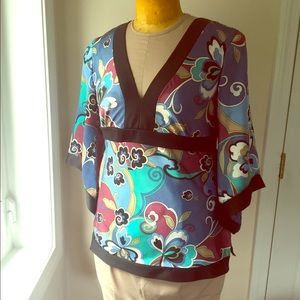 Kimono top in soft satin print w back tie