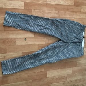 H&m navy and white printed slacks in a size 6