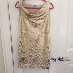 New Gap gold and cream dress with pockets.