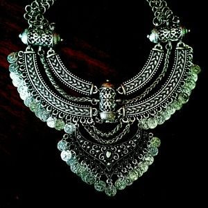 Jewelry - Vintage Coin Statement Necklace