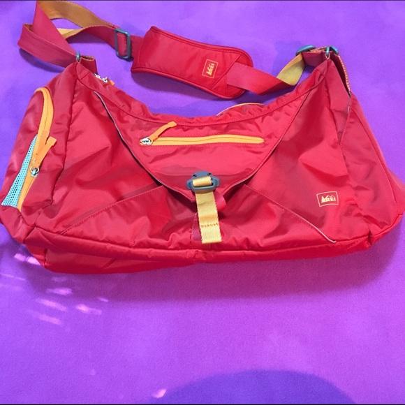 REI Balance Gym Bag. M 57cdb488d14d7be66400a88f 362bd6271214b
