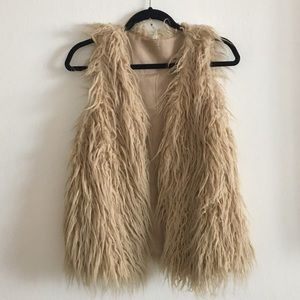 Jackets & Blazers - Nude faux fur vest
