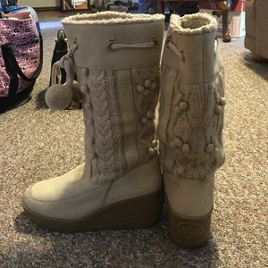 Juicy couture boots! (10)