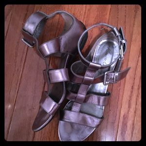 Kenneth Cole Shoes - Kenneth Cole Sandals, gently worn