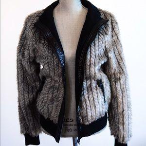 Vertigo Paris Jackets & Blazers - Friday flash sale Faux fur jacket❤️Vertigo