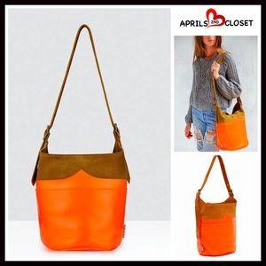 Hunter Handbags - ❗️1-HOUR SALE❗️HUNTER Suede Leather Bucket Bag