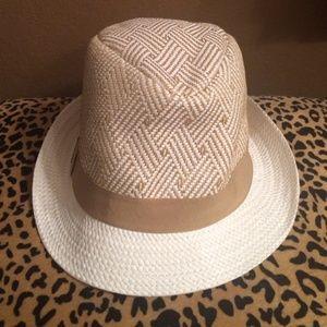 Bcbg straw fedora hat