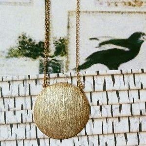 Host pick🙌 • Gold Circular Pendant Necklace •
