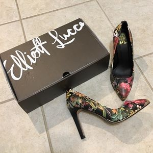 Like New Elliott Lucca Artisan Botanical Pumps