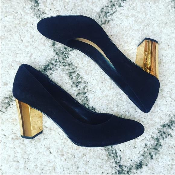e188ba3fd7b0 Dolce Vita Shoes - Dolce Vita Black Pumps with Gold Heel