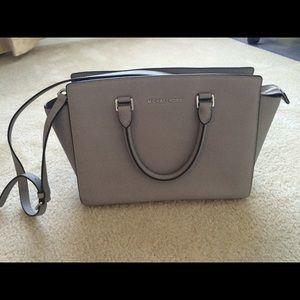 Handbags - Michael Kors Selma large grey color