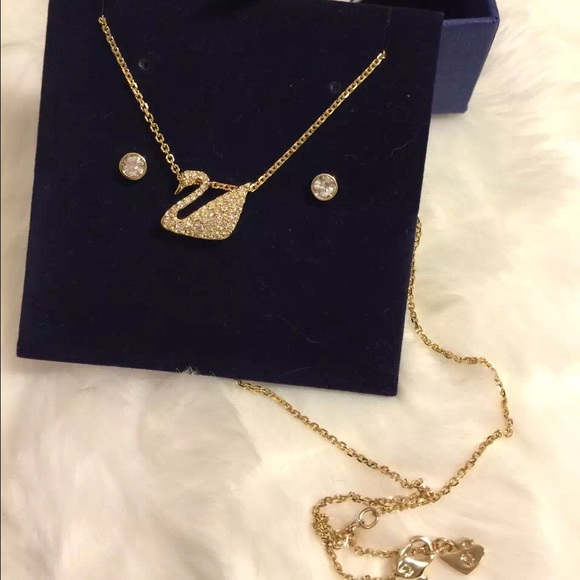 3861ca30cb63 Swarovski Gold Swan necklace with earring set NWT