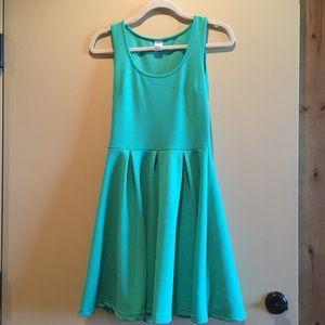White bark Dresses & Skirts - Green a line dress.