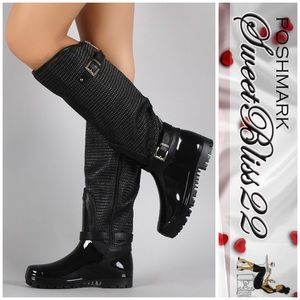 Shoes - 💄Now Available Black Rainboots💄