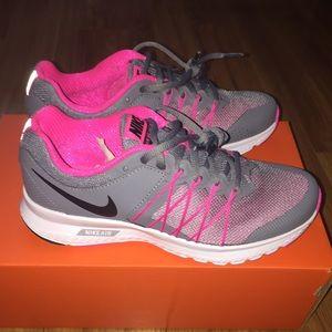73% off Nike Shoes - Womenu0027s Nike Air Relentless 6 from Mariau0027s