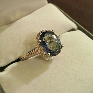 Jewelry - NWOT - Mystic Topaz ring, set in SS.925