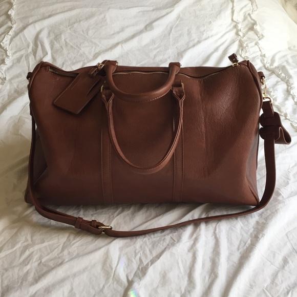 0907d27b49 Sole society Lacie oversized vegan weekender bag. M 57cdfb3c13302a5e0401ab35