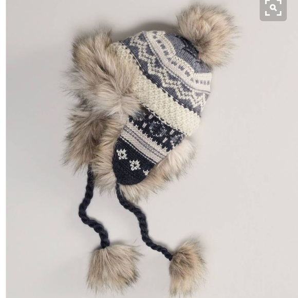 2d5aeb81d2af4 American Eagle Outfitters Accessories - American eagle fleeced lined trapper  hat