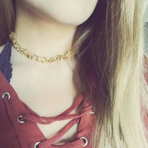 Dangling Dressy Gold Choker